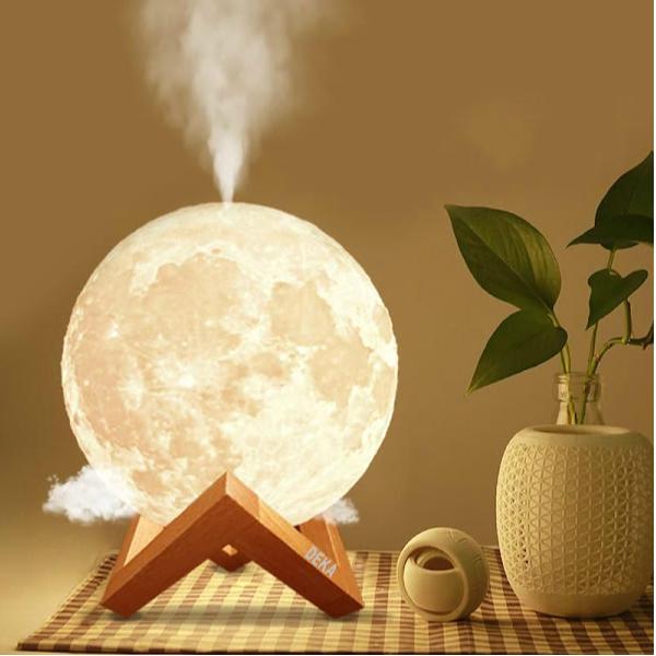 Lampa de veghe cu umidificator, Luna Moon 3D, 880 ml + cadou o sticluta ulei parfumat